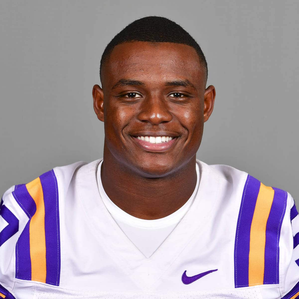 Jacob Phillips LSU LB | 2020 NFL Draft Card